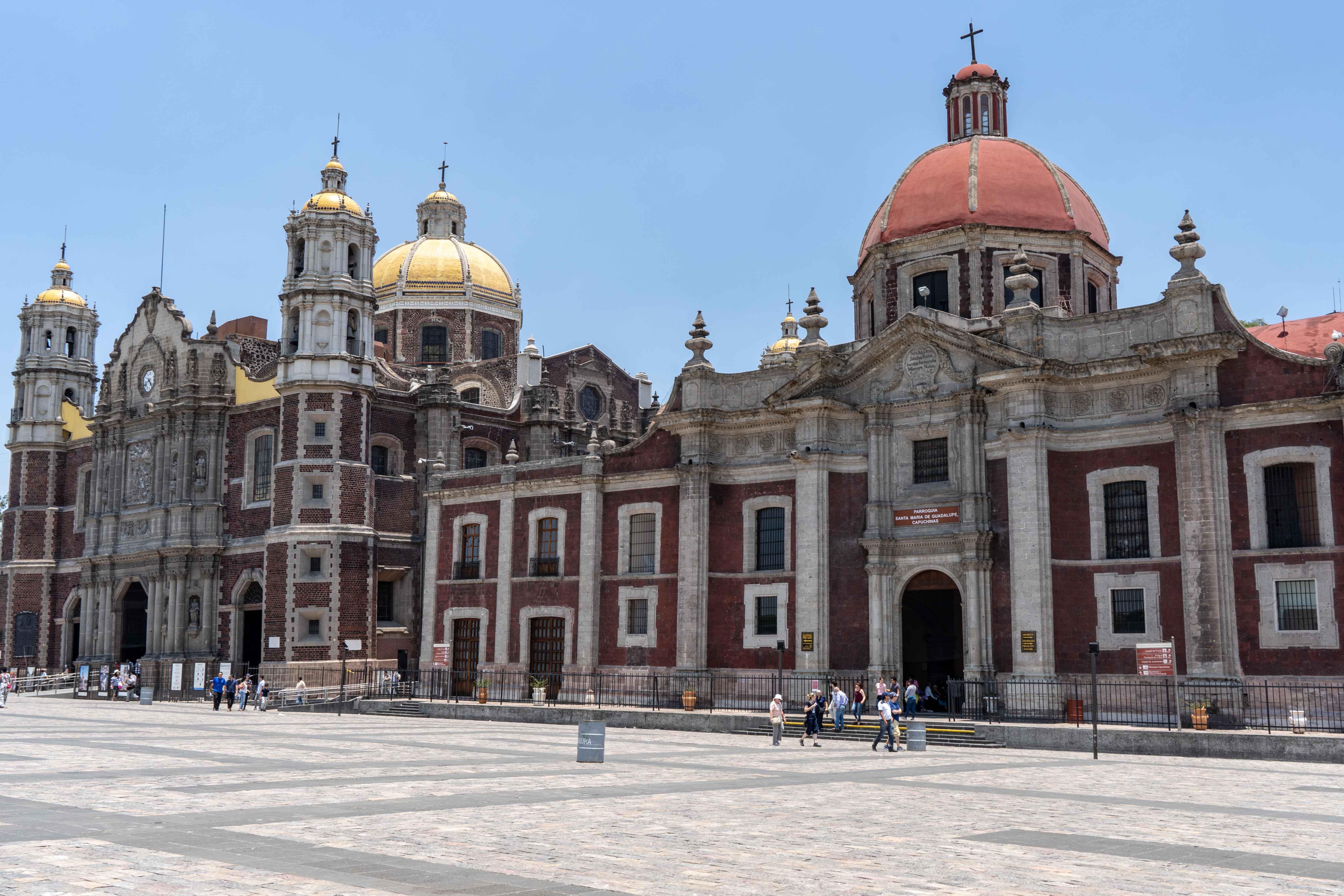 Sur la Plaza Mariana, un incroyable ensemble d'édifices religieux.