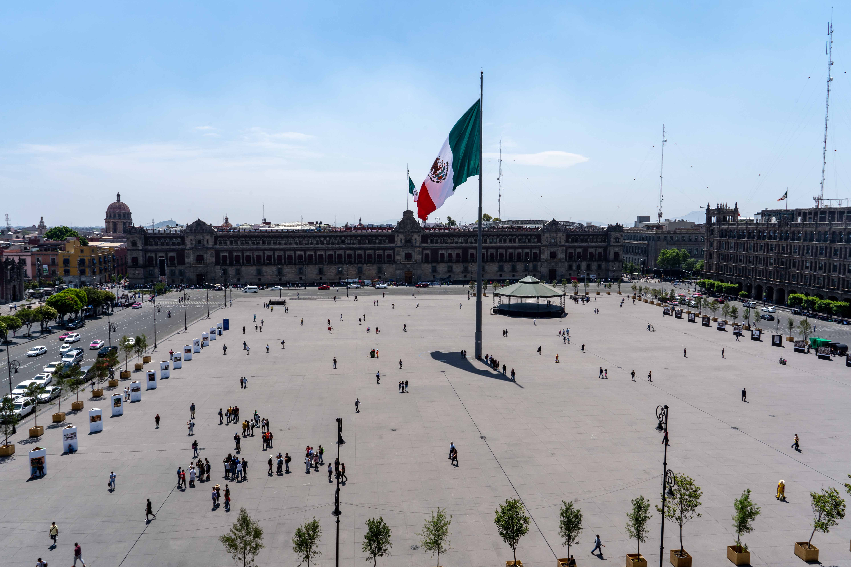 La Plaza de la Constitucion, familièrement appelé le Zocalo.